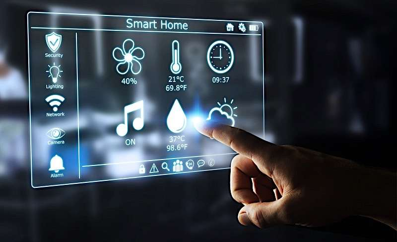 schermo comandi smart home